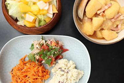 イイホシユミコのリイラボシリーズのお皿を使っている写真