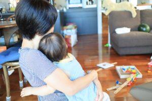 自分と娘が抱き合っている写真