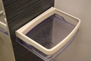 オキシクリーンを使う前のお風呂場の棚