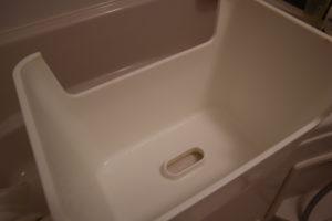オキシクリーンを使ってぴかぴかになったお風呂場のイス