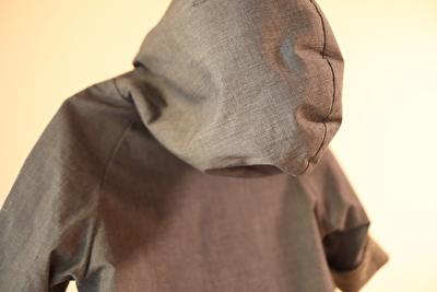 MAKIEのGASAジャケットのフードの部分の写真