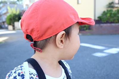 モンベルの帽子を娘がかぶっている写真