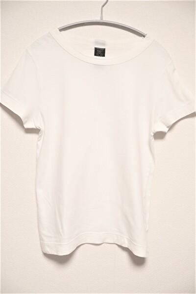 ホームスパンの白いTシャツ