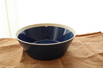 イイホシユミコのディッシーズシリーズの青の器