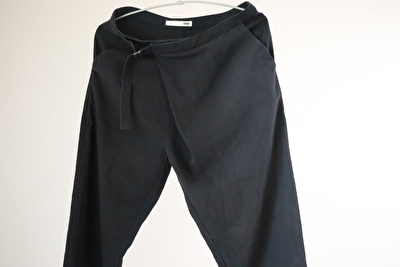 evamevaの黒いパンツ