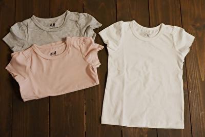 H&Mで買ったグレーとピンクと白の半袖Tシャツ3枚セット