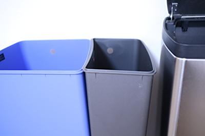 シンプルヒューマンのゴミ箱の分別ができる中身の箱の写真