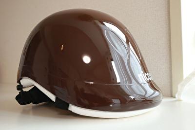nicco×こどもビームスの茶色い子供用ヘルメット