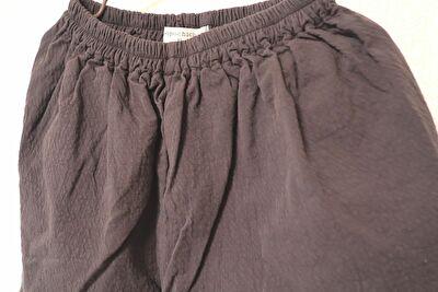 monmimiのpan color pantsのcacao charcoalのXLサイズのアップ